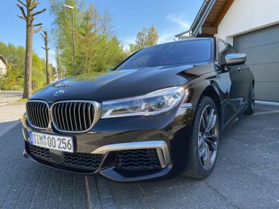 gebraucht BMW M760 xDrive INDIVIDUAL 360° SKY LOUNGE VOLL