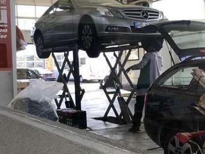 gebraucht Mercedes E250 CDI DPF Coupe BlueEFFICIENCY Avantgarde