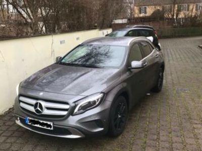 gebraucht Mercedes GLA180 AMG Line