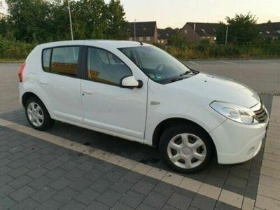used Dacia Sandero 1.6 MPI Laureate