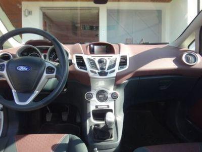 gebraucht Ford Fiesta 1.6 TDCi Titanium