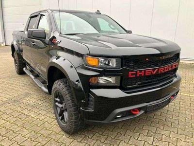 gebraucht Chevrolet Silverado 5,3 Trail Boss 4x4 Leder Crewcab als SUV/Geländewagen/Pickup in Walldürn