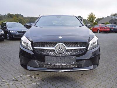 gebraucht Mercedes A180 d Urban NAVI/TEILLEDER/TEMPOMAT/PDC/SITZH