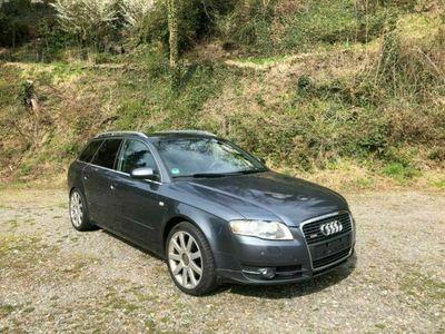 gebraucht Audi A4 Avant 3.0 TDI quattro Sline