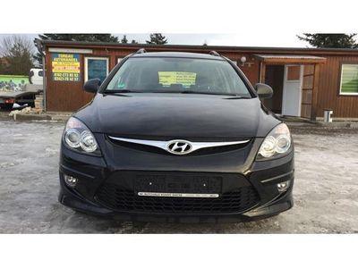 gebraucht Hyundai i30 cw 1.6 CRDi,Scheckheftgepflegt,Anhängerkupplung