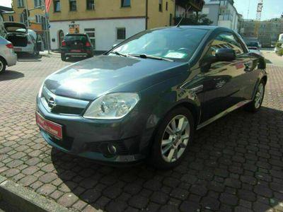 gebraucht Opel Tigra 1.8 Twin Top Sport bei Gebrachtwagen.expert