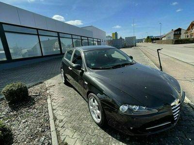 gebraucht Alfa Romeo 147 als Limousine in Feuchtwangen