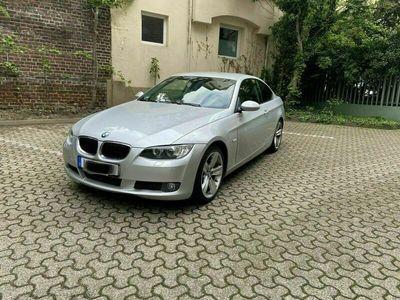 gebraucht BMW 320 Coupé E92 Xenonlicht
