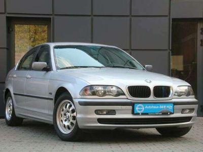 gebraucht BMW 323 i Automatik KLIMA*SHZ*PDC*MFL