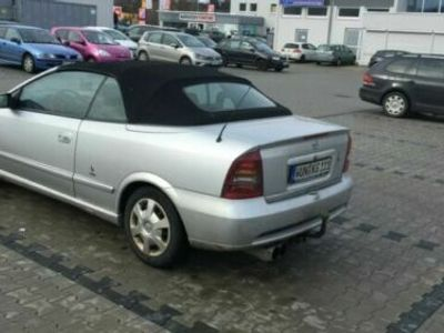 begagnad Opel Astra Cabriolet 1.8 16V Linea Rossa