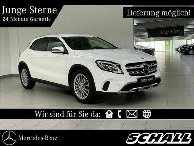 gebraucht Mercedes GLA180 URBAN+AHK+LED HIGH PERF+NAVI+KAMERA+EU6D