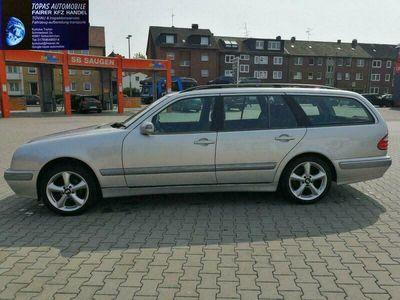 gebraucht Mercedes E240 Elegance/Kein Rost!