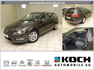 gebraucht VW Passat Var. 1.8 TSI Comfortline Navi Klimaaut.