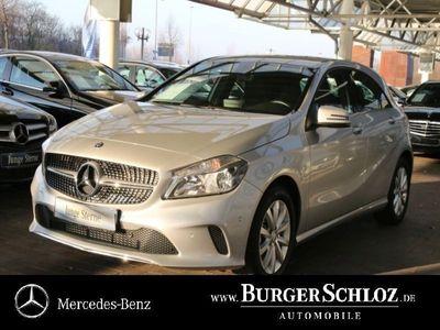 gebraucht Mercedes A180 Limousine Style/Navi/Parkass./1.Hand/SHZ