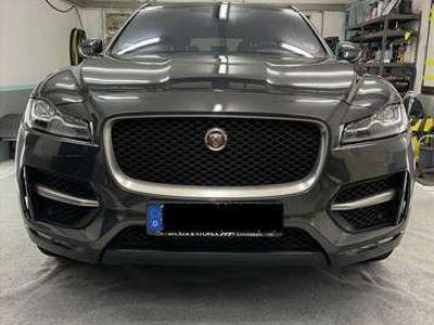 gebraucht Jaguar F-Pace 20d Aut. Portfolio