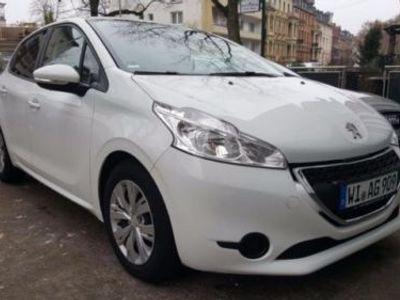 gebraucht Peugeot 208 e-HDi 92 Stop&Start Active