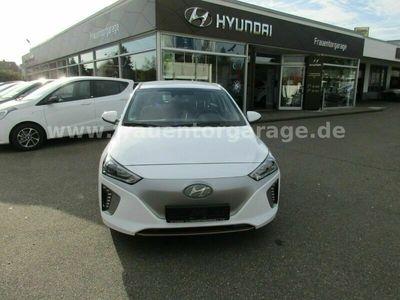 gebraucht Hyundai Ioniq ELEKTRO/sehr gepflegt/8-fach bereift/Trend als Limousine in Ulm