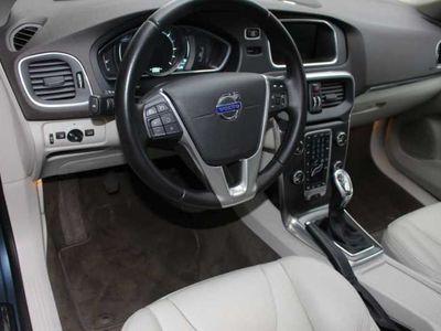 gebraucht Volvo V40 D4 Summum