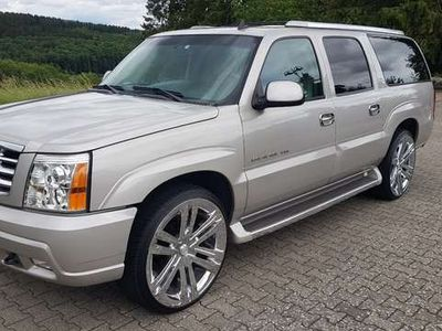gebraucht Cadillac Escalade ESV Platinum 6.0 V8 4WD *Japan Import*