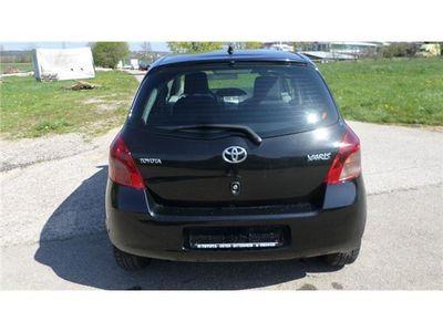 gebraucht Toyota Yaris 1.0 VVT-i Style (134)