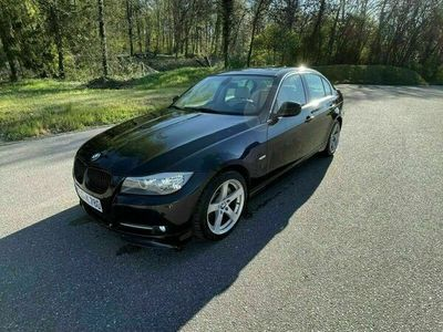 gebraucht BMW 325 e90 d Navi,Sportsitze uvm.