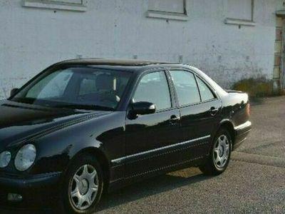gebraucht Mercedes E220 cdi 1 Hand scheckheft