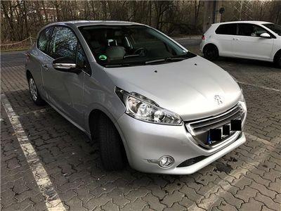 gebraucht Peugeot 208 e-HDi FAP 92 Stop