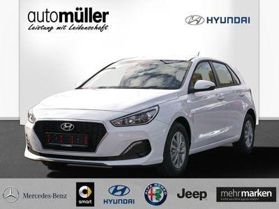 gebraucht Hyundai i30 1.6 CRDi Select Funktionspaket
