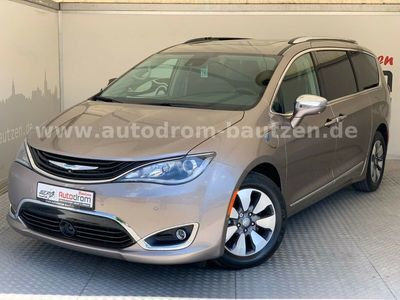 gebraucht Chrysler Pacifica HYBRID LIMITED 3.6L V6 nur 67g CO2/km