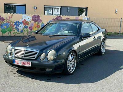 gebraucht Mercedes CLK230 KOMPR ELEGANCE NAVI/LEDER/KLIMA/SHZ/GLSD