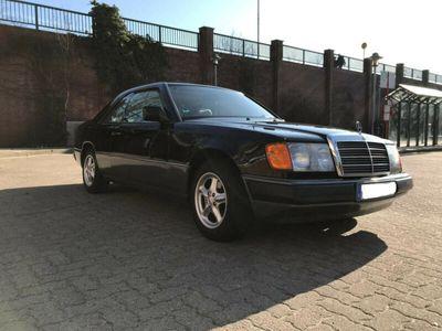 używany Mercedes 230 CE Klassiker im Originalzustand
