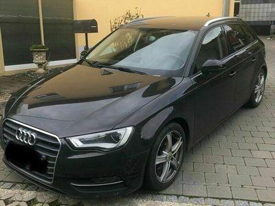 gebraucht Audi A3 Sportback 2.0 TDI Ambition als Kombi in Erbach