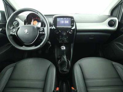 gebraucht Peugeot 108 PureTech 82 Allure 5T Leder Shzg Klima LMF NSW