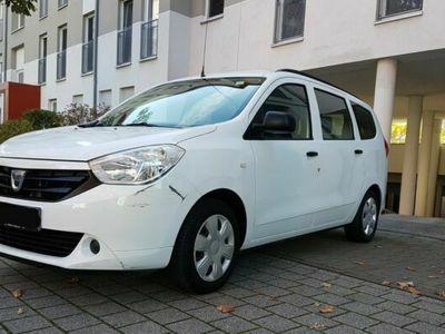 gebraucht Dacia Lodgy 1.6 MPI 85 Laureate