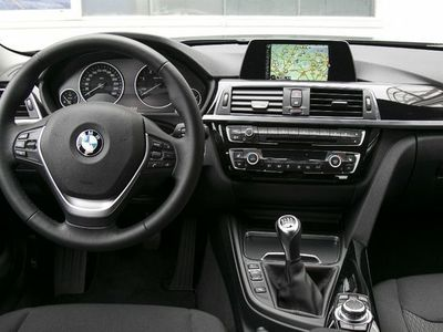 verkauft bmw 318 d touring luxury line gebraucht 2015. Black Bedroom Furniture Sets. Home Design Ideas
