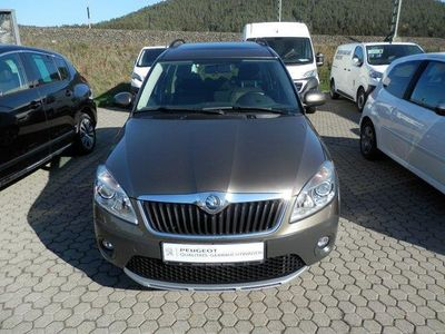 gebraucht Skoda Roomster Scout Plus Edition 1,6 TDi DPF