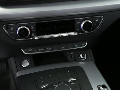 gebraucht Audi Q5 Sport 35 TDI quattro tiptronic Xenon|PDC schwarz