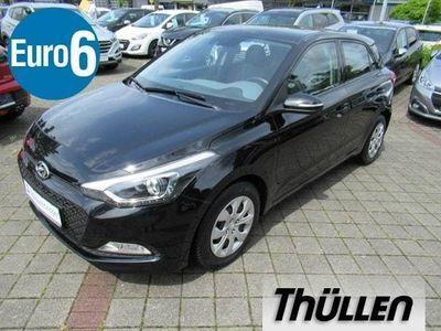 gebraucht Hyundai i20 blue 1.2 Trend, Klimaautomatik, Sitz-und Lenkr
