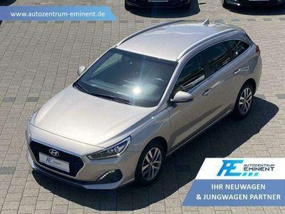 gebraucht Hyundai i30 WG 1.6CRDI DCT NAVI SHZ LED-S. KAMERA