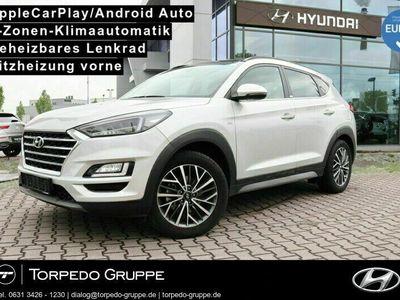 gebraucht Hyundai Tucson 2.0 CRDi 184PS 4WD STYLE PANO als SUV/Geländewagen/Pickup in Mannheim