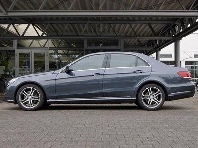 gebraucht Mercedes E200 LIM Avantg Comand Sport Ext. 18 Zoll ILS