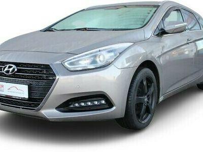 gebraucht Hyundai i40 cw Trend Blue AUTOMATIK/SHZ/ALU/METALLIC ...