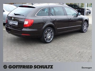 gebraucht combi 2 0 tdi dsg elegance skoda superb 2012 km in schw bisch hall. Black Bedroom Furniture Sets. Home Design Ideas