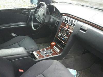 gebraucht Mercedes E300 Elegance