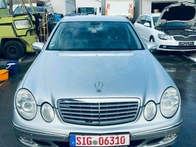 gebraucht Mercedes E240 Bj. 04.2004, 271.408km, 6-Gang