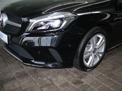 gebraucht Mercedes A180 Urban Pano LED Navi Kamera Park-Pilot