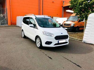 gebraucht Ford Tourneo Courier 1.0 EcoBoost Titanium