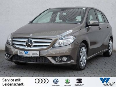 gebraucht Mercedes B200 Aut. BlueEfficiency NAVI/ AHK/ PARKASSIST
