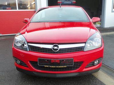 begagnad Opel Astra Cabriolet Twin Top 1.8