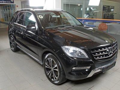 gebraucht Mercedes ML350 BlueTec 4-Matic, Airmatic, Sportpaket, AHK, Navi